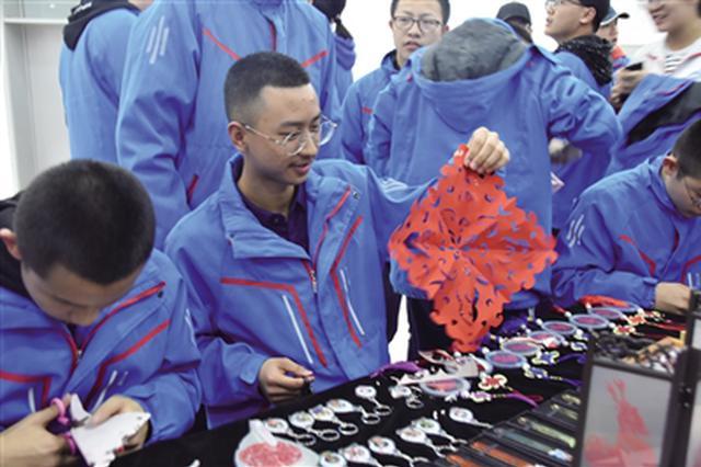 呼和浩特市第一中学成青城首家非遗传习示范校