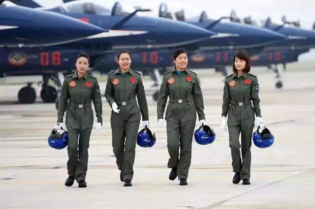 想报考吗?2019年空军招收第12批女飞行学员