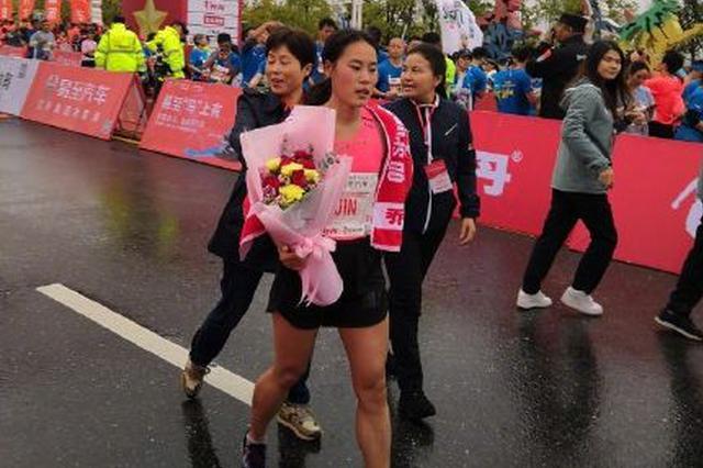 通辽姑娘获世界马拉松冠军 ! 我们中国人的骄傲!