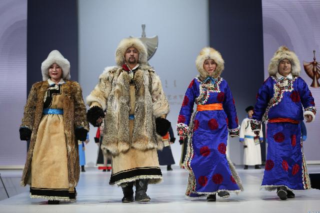 蒙古族服饰秀
