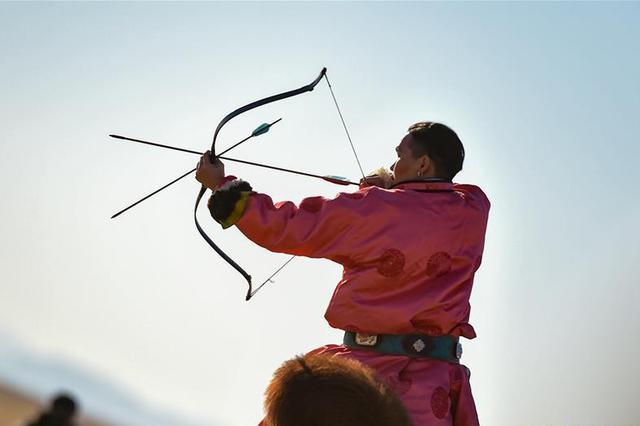 内蒙古乌拉特后旗举行骆驼文化旅游节