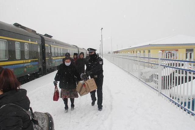 内蒙古:严寒中演练提高恶劣天气铁路突发事件应急能力