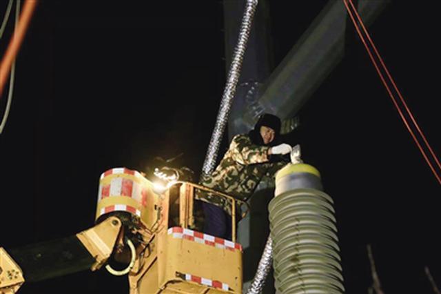 呼和浩特供电局50小时坚守抢修一线 确保恢复电力供应
