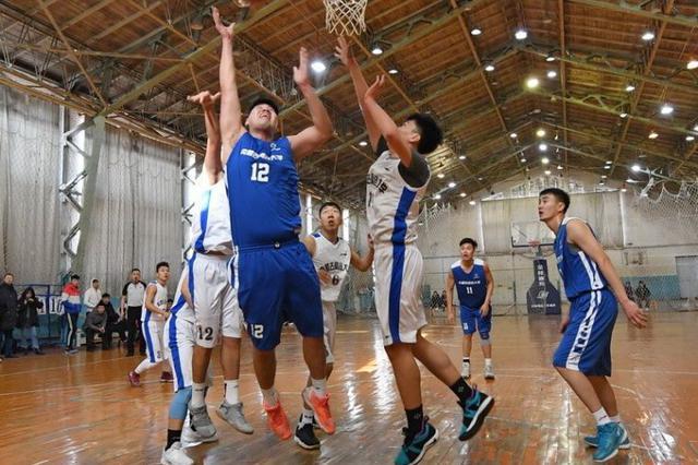 中国大学生篮球赛内蒙古赛区激战正酣