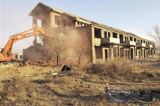 回民区:1.2万平方米违法建筑被集中拆除