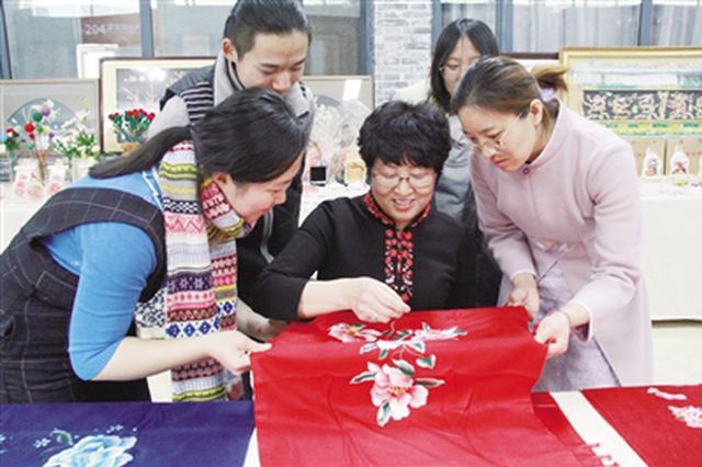 最美家乡中国年非遗特展在内蒙古师范大学开展