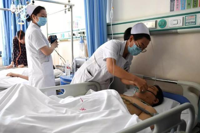 """内蒙古""""2?23""""事故伤?#26412;?#27835;工作紧张有序"""