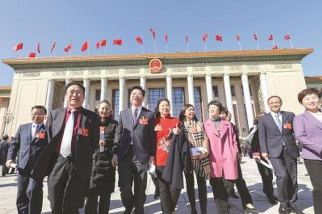 住内蒙古全国政协委员提交提案83件立案72件
