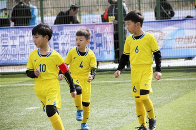 """""""菁英杯""""内蒙古青少年足球联赛东部赛区比赛收官"""