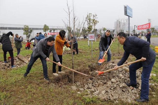 """内蒙古统一战线开展""""同心林""""春季植树活动"""
