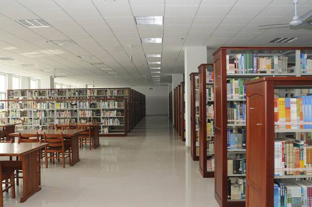 包头市300万元资金保障市图书馆免费开放