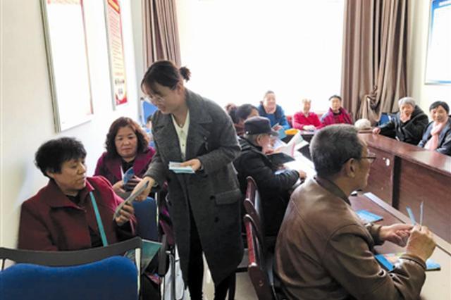 霍林郭勒市人民医院开展爱国卫生月健康巡讲活动