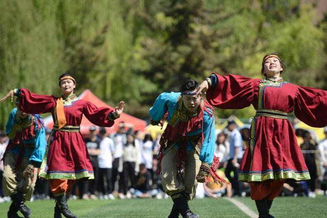 内蒙古一高校举办那达慕文化节