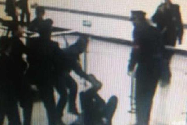 通辽开鲁县:姐弟俩殴打民警涉嫌妨害公务被批捕