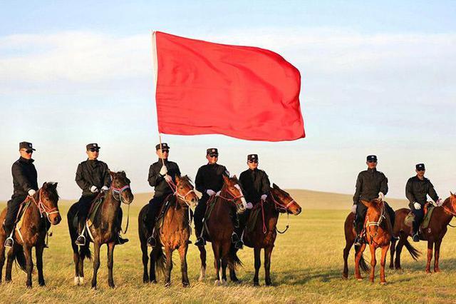 草原上的马背警队