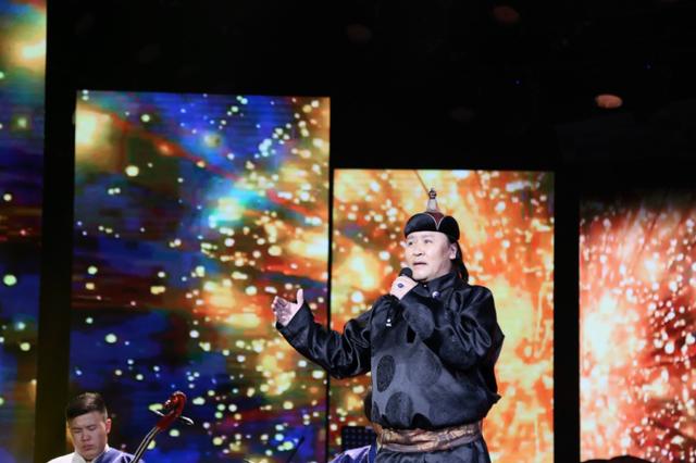 """内蒙古文旅厅主办的""""草原音乐周末""""演出开启"""