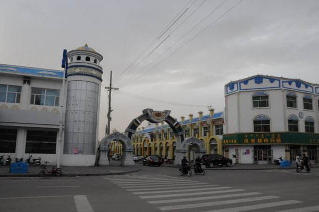 内蒙古阿拉善右旗:在押人员高墙内收到26岁生日蛋糕