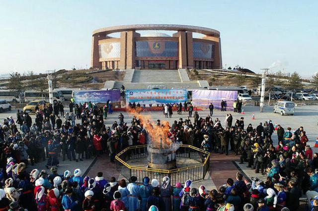"""【飞""""阅""""中国】蒙古族群众""""祭火""""过小年"""