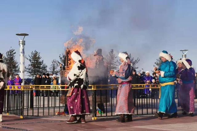 内蒙古察右后旗举行蒙古族传统祭火 祈福风调雨顺