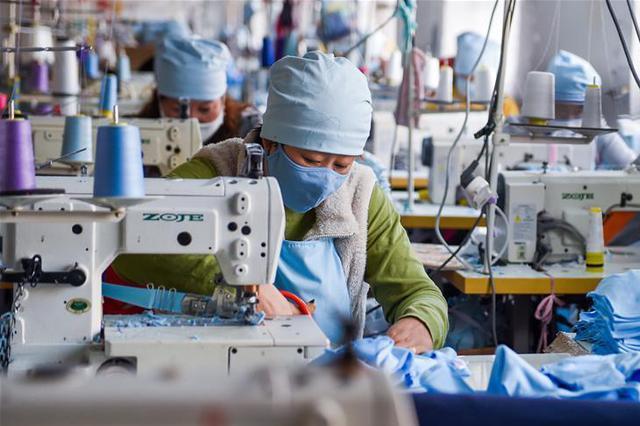呼和浩特:全力生产 保障口罩供应
