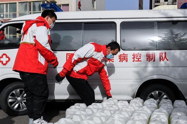 甘肃30吨消毒液驰援内蒙古