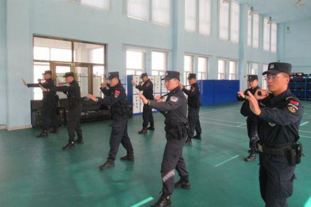 锡林郭勒盟东乌旗公安局组织开展警务技能训练