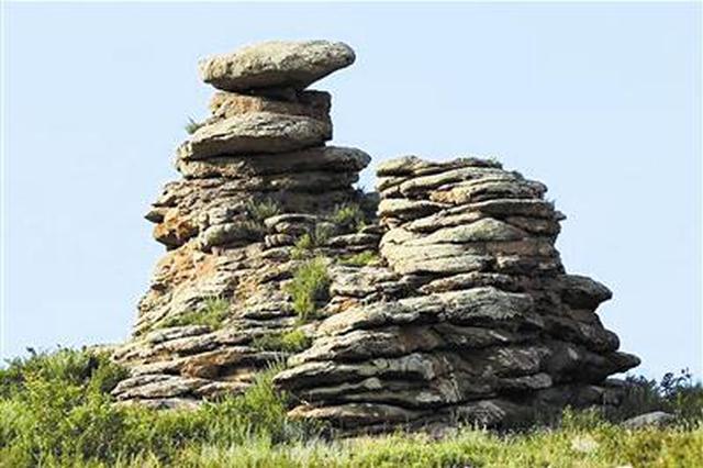 霍林郭勒市亿万年前冰川遗迹 大自然的鬼斧神功