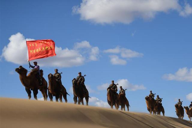 大漠驼兵--边防民兵驼兵排民兵进行应用训练