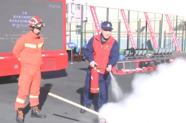兴安盟:第29个全国消防日 关注消防 生命至上