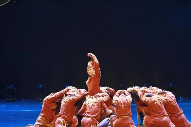 二连浩特市乌兰牧骑获首届内蒙古民间舞蹈大赛殊荣