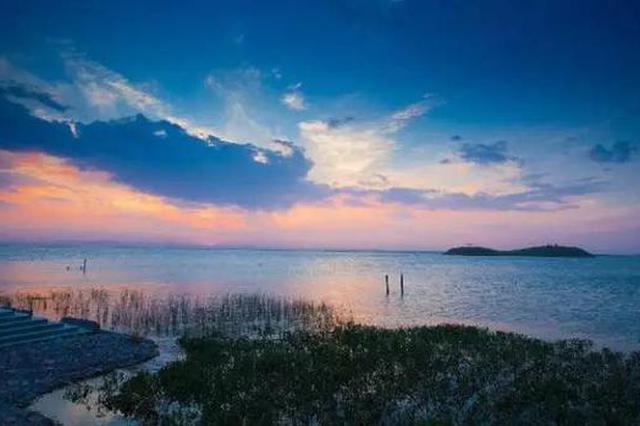 爱上内蒙古 丨 等风深蓝、等雪捏宝宝、等来乌褐谌艘。湖的你