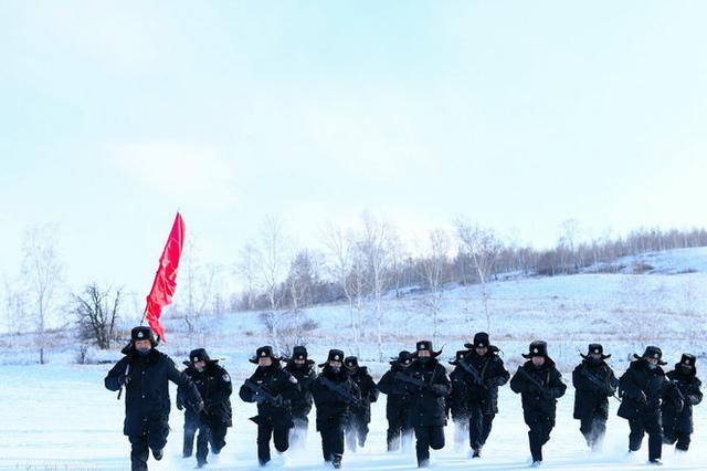 零下35℃ 移民警察雪域砺兵