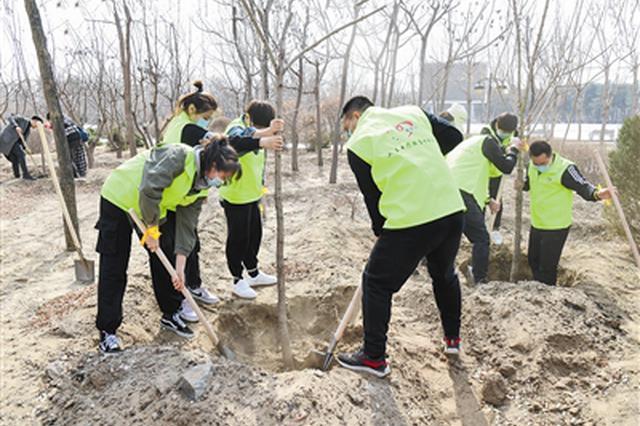 通遼市科爾沁區:清明植樹寄哀思 文明祭祀樹新風