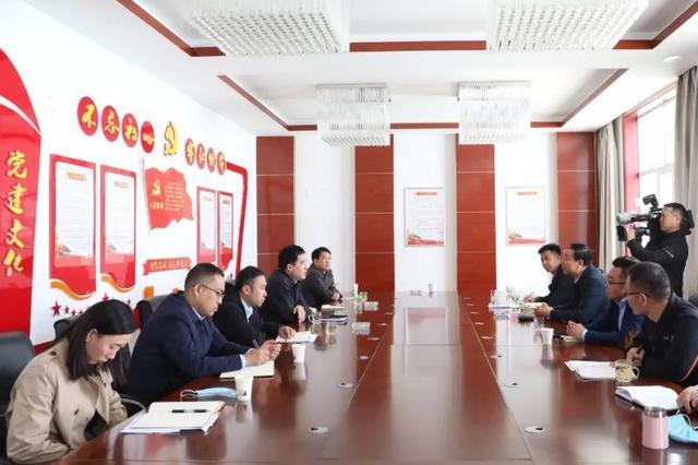 二连浩特市:刘志平深入部分企业调研 问需求解急困促发展