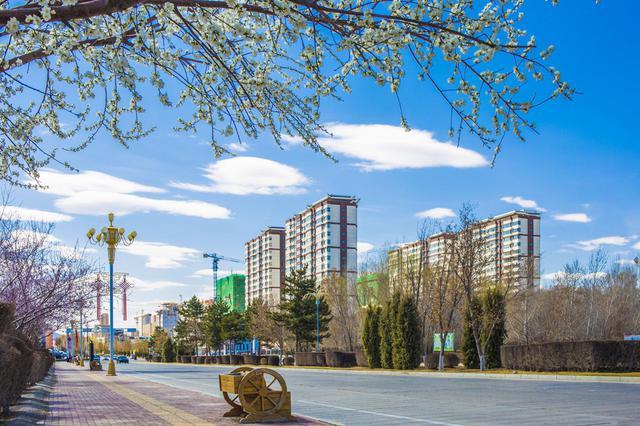 突泉县:春色满城