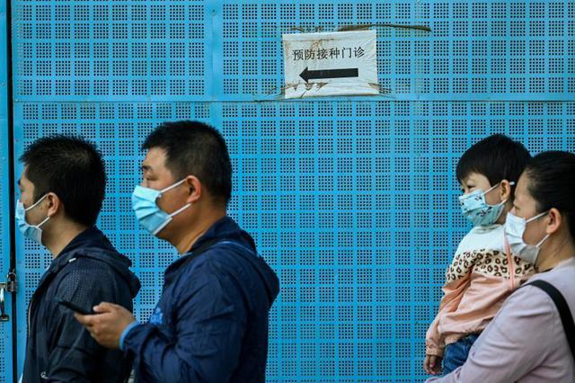 呼和浩特:早起打疫苗