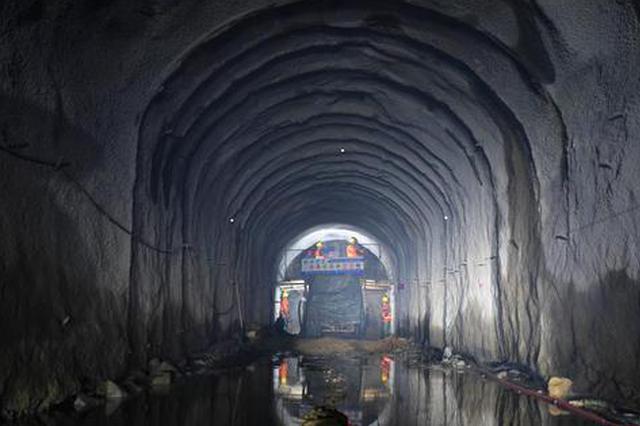 内蒙古:岱海生态应急补水工程首座隧洞全线贯通
