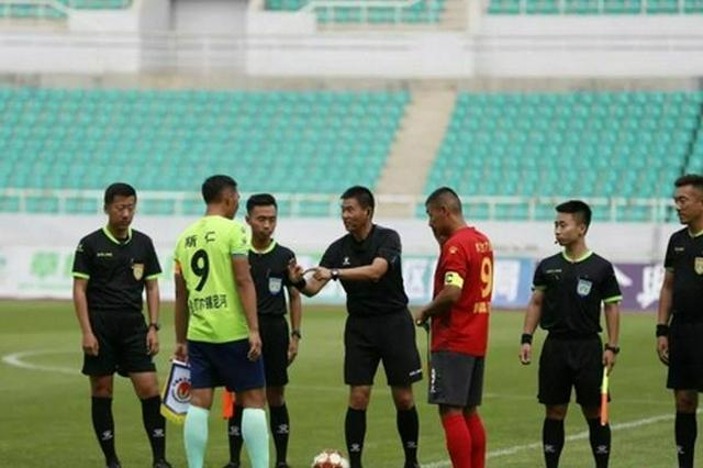 中国十四运内蒙古足球取得三连胜 晋级半决赛