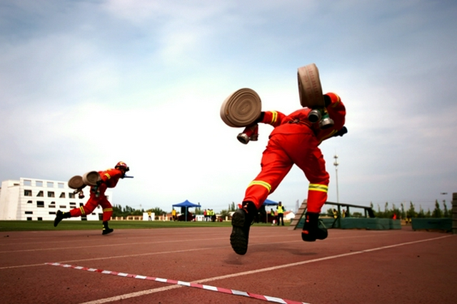 熱血賁張!內蒙古首屆消防行業職業技能競賽首日角逐激烈