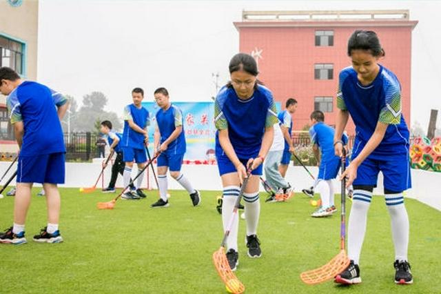 内蒙古呼和浩特市玉泉区:软式曲棍球进校园