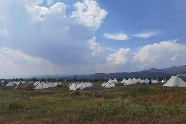 呼和浩特市:金犀牛户外嘉年华在敕勒川草原举行