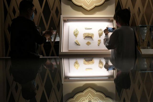 北京中国国家博物馆举办内蒙古文物菁华展