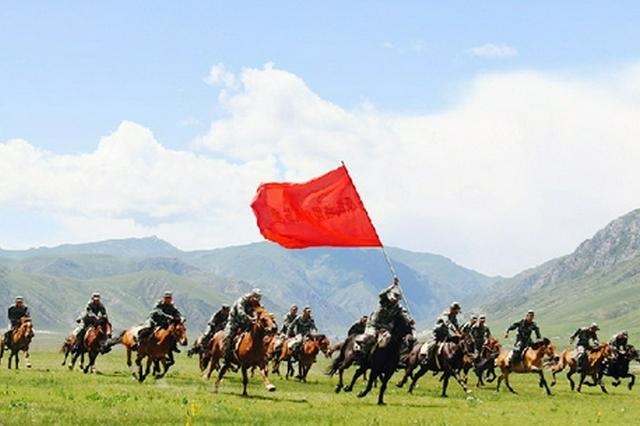 内蒙古边防民兵:草原骑兵策马扬鞭守边疆