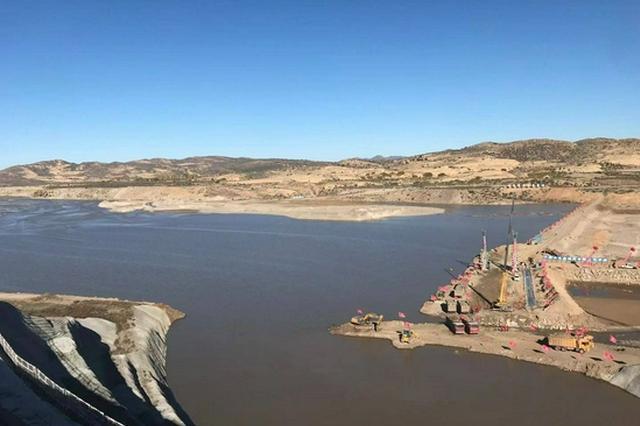 赤峰市林西东台子水库成功实现西拉沐沦河水截流