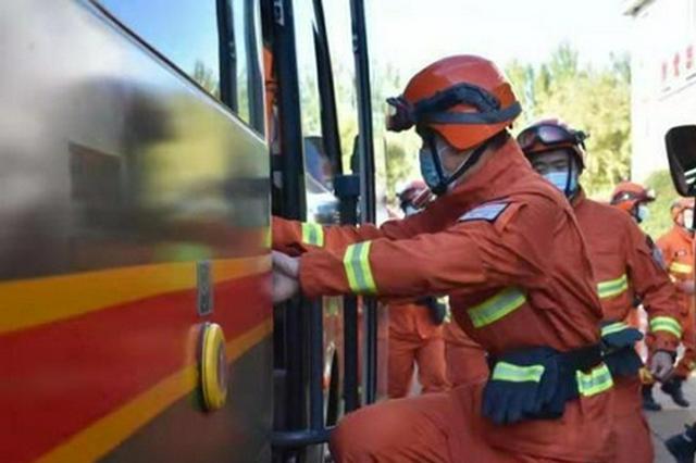 中蒙边境突发草原火灾 中方派出灭火力量前往堵截