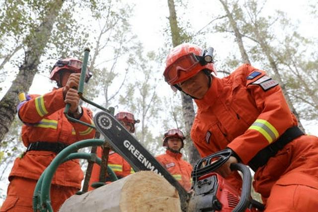 赤峰市森林消防支队重难点课目教练员集训火热开训