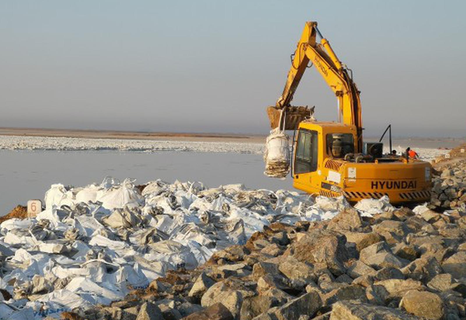 黄河谢拉五河段进行除险加固