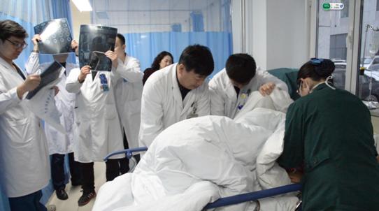 急危重症救治中心-CCU抢救患者现场