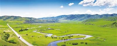 水草丰美的乌兰毛都草原。
