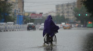 """上周末,内蒙古大部地区迎来明显的降雨天气,首府呼和浩特局地大到暴雨天气。来看看这雨""""暴""""成啥样"""